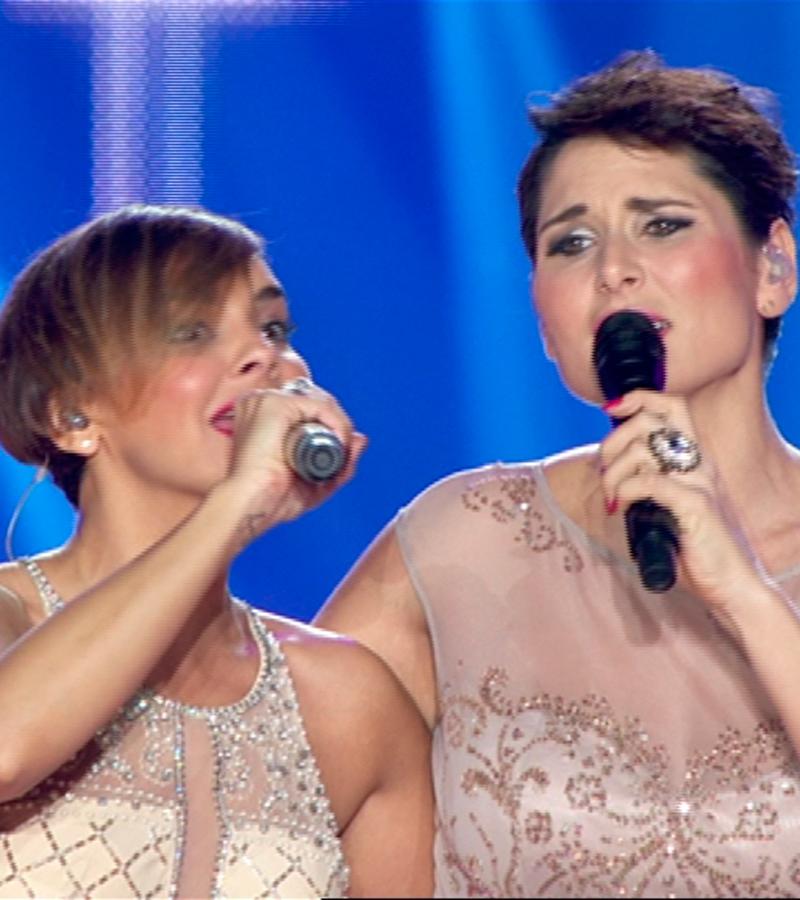 Rosa López y Chenoa cantan 'Sueña'