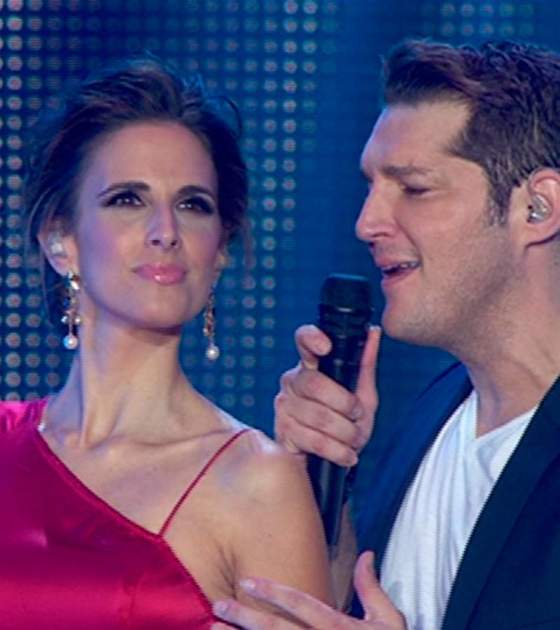 Nuria Fergó y Manu Tenorio cantan 'Noches de bohemia'