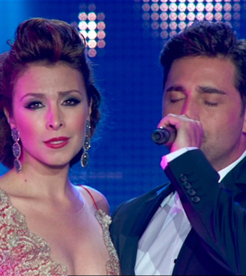 Gisela y Bustamante cantan 'Vivo por ella'