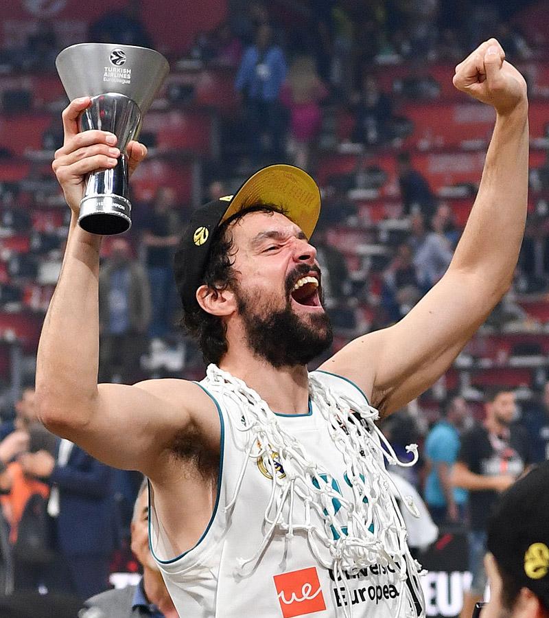 Por primera vez, un club reina en fútbol y en baloncesto por Europa.