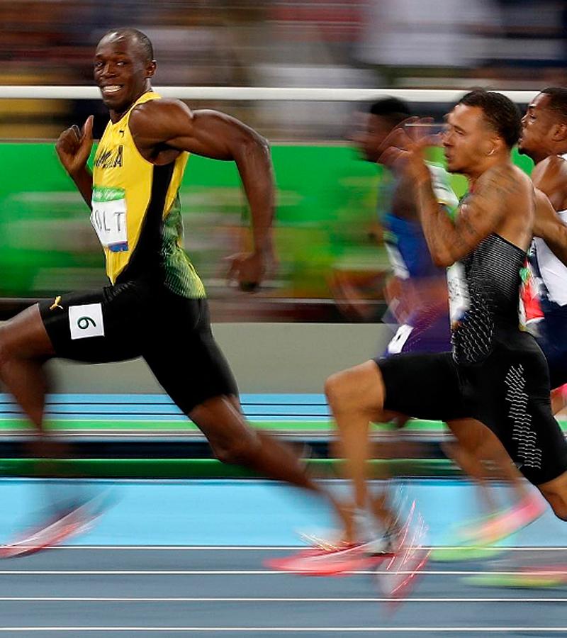 Bolt llegó a la meta de los 100 m sonriendo