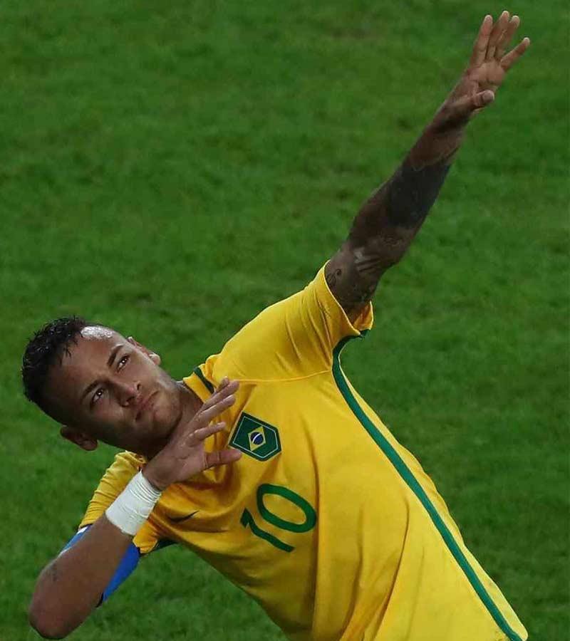 Foto de Neymar celebrando el oro de Brasil en Río 2016