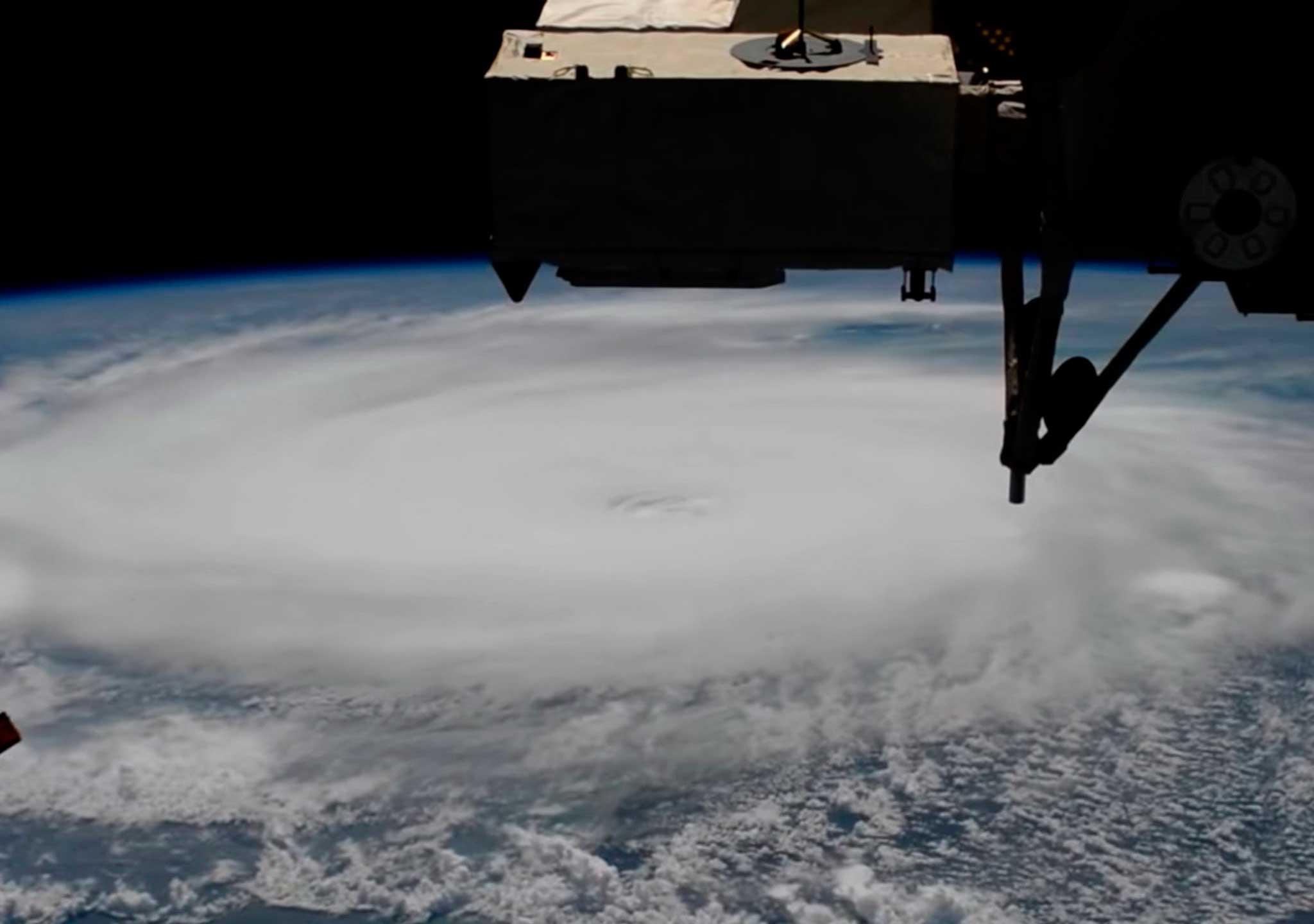 Un huracán de dimensiones colosales